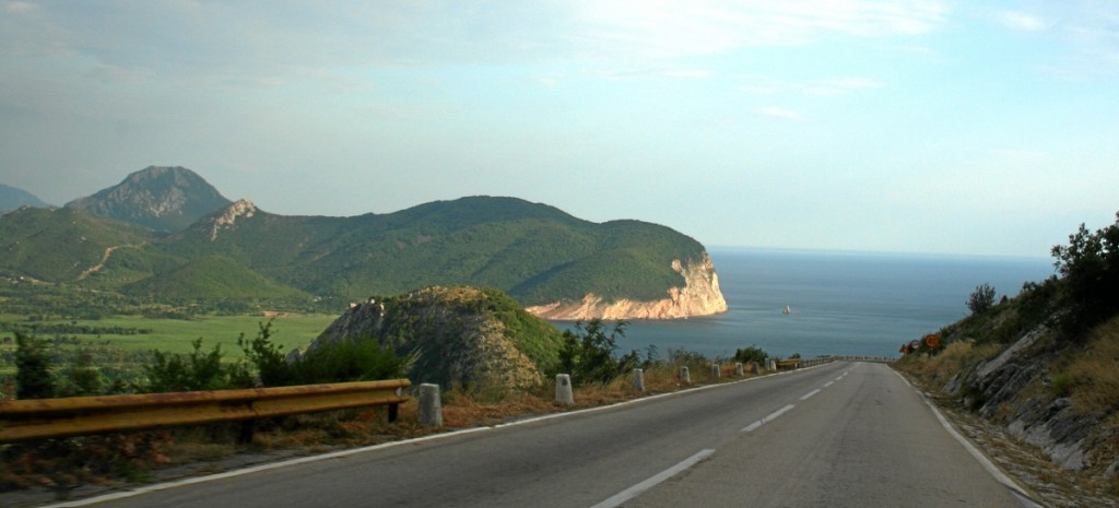 Montenegro, Straßen